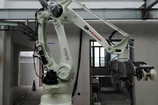胴体机器人劈半锯